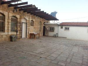 חצר חאג' יחזקאל