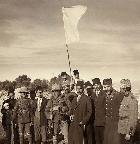 ראש העיר נכנע בפני הטבחים (צילום – אנשי האמריקן קולוני)