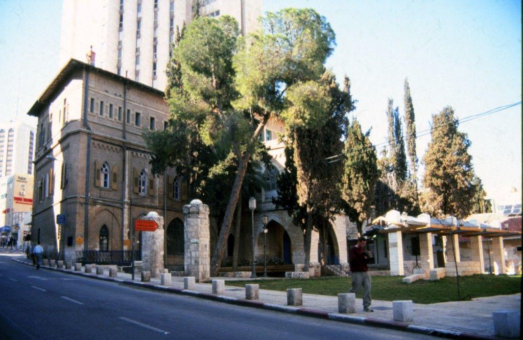 האכסניה שהיום נמצא בה בית הכנסת האיטלקי